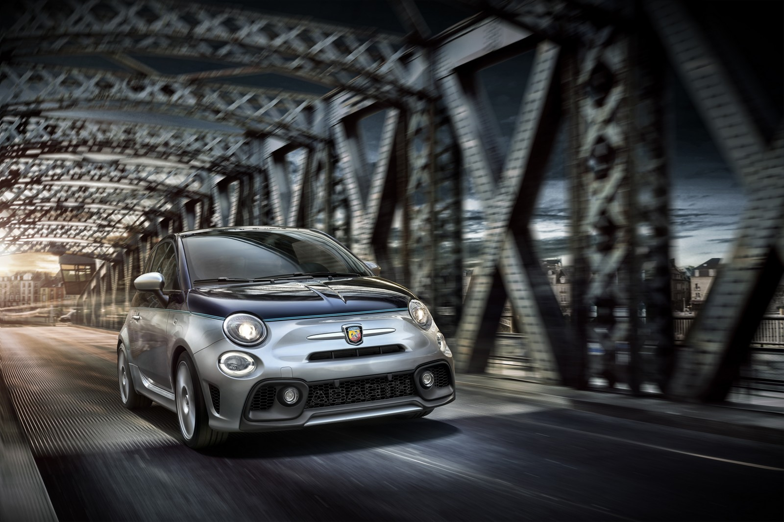 abarth 695 rivale le meilleur des deux mondes blog automobile. Black Bedroom Furniture Sets. Home Design Ideas