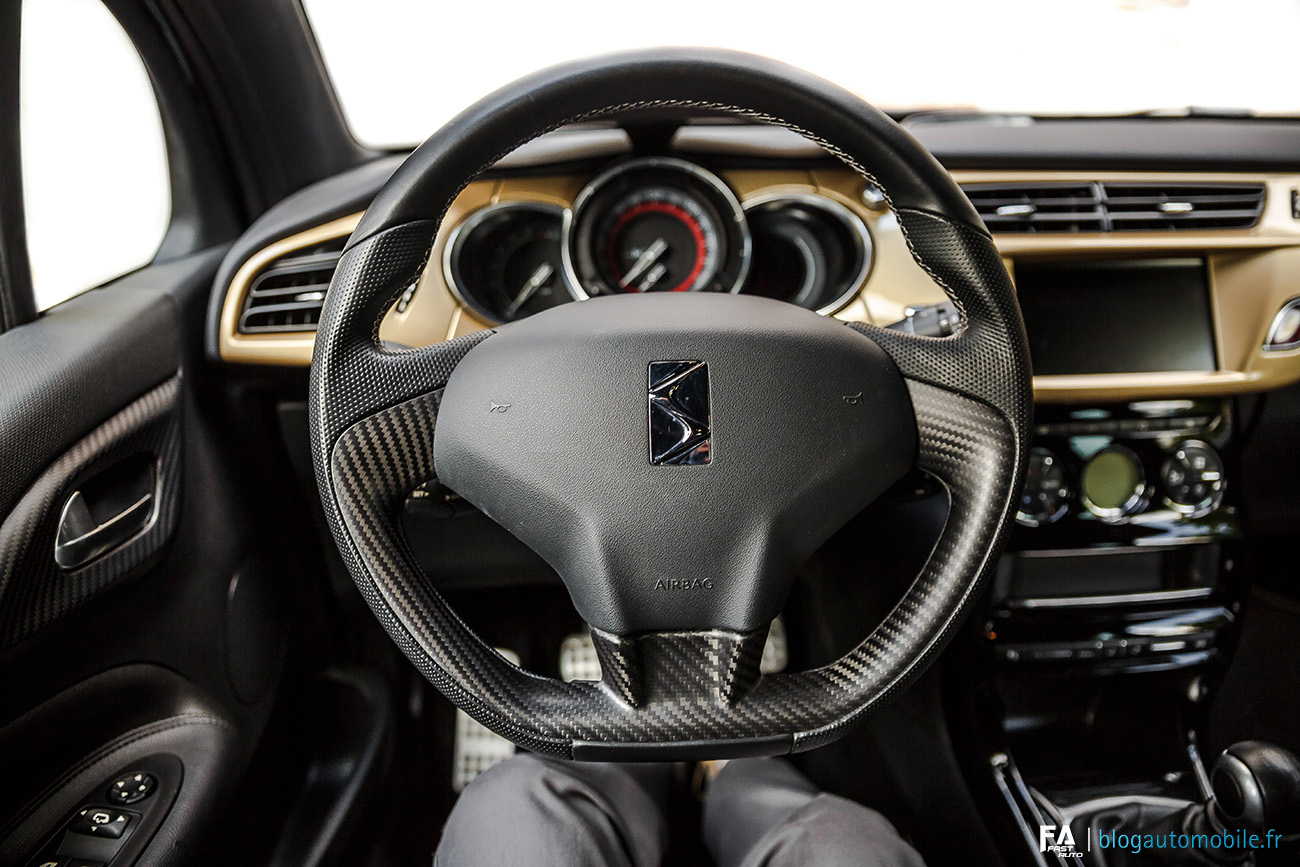 Essai DS3 Performance Black Special - Interieur