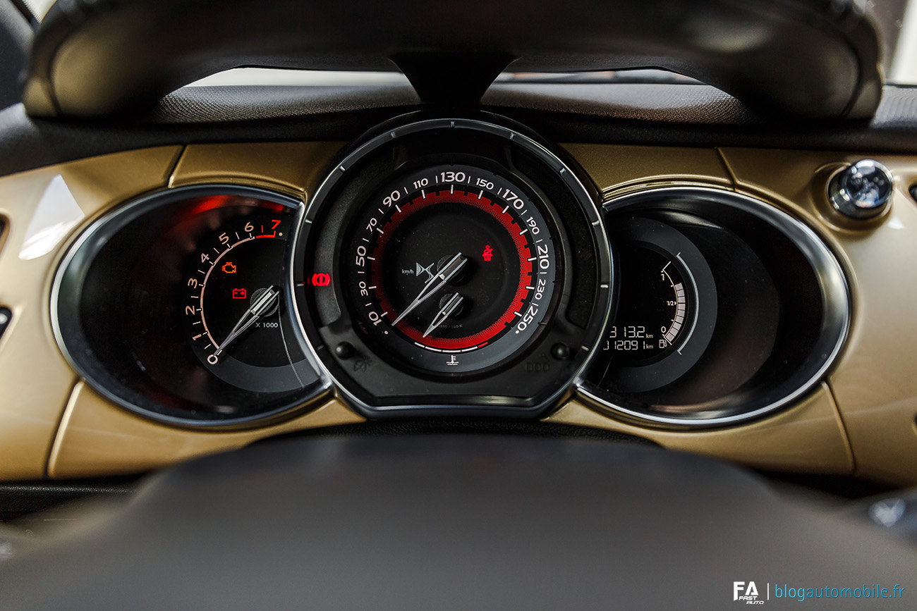 Essai DS 3 Performance Black Special - Interieur