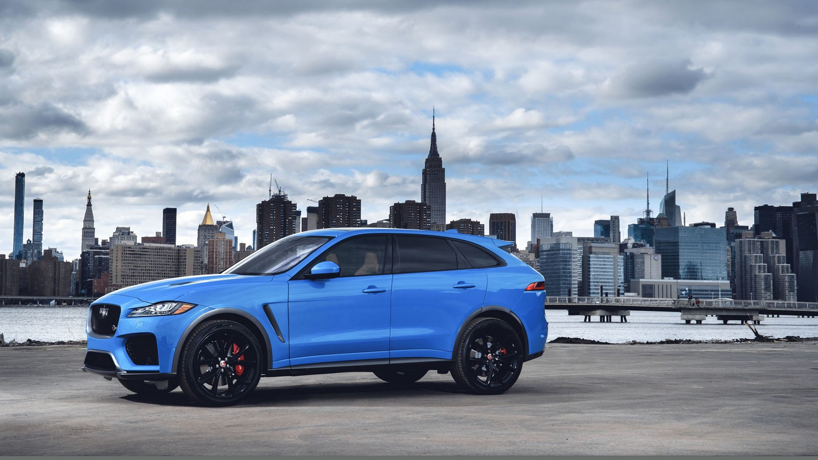 new york 2018 jaguar f pace svr blog automobile. Black Bedroom Furniture Sets. Home Design Ideas