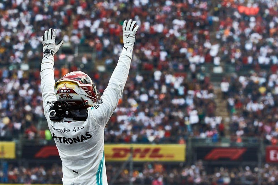 rétrospective F1 2019 - Hamilton salue la foule